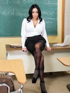 Сногсшибательная Audrey Bitoni в роли преподавательницы