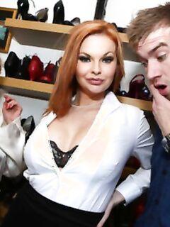 Рыжая сучка Tarra White перепихнулась с мужем подруги прямо у нее под носом