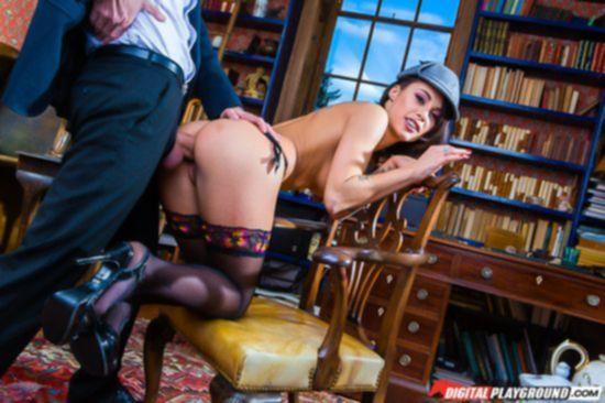 Завораживающие фото анального секса Nikita Bellucci в ярком нижнем белье