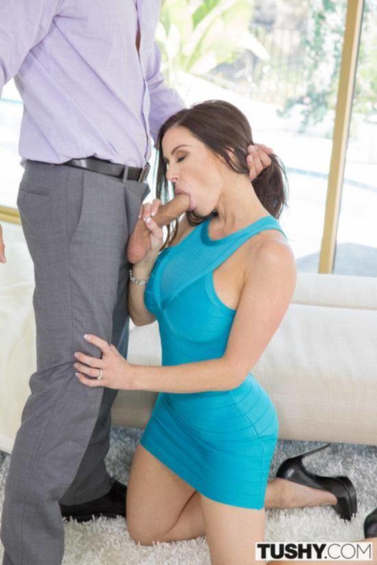 Нежный секс с сисястой брюнеткой Кендрой Люст