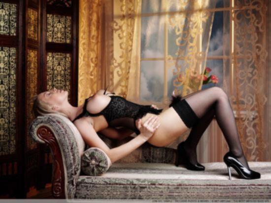 Эротические фото русской девушки Mandy Dee