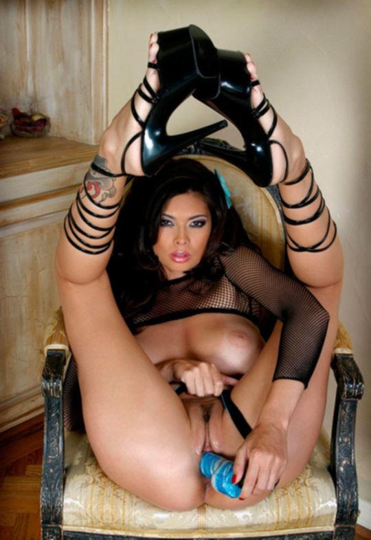 Порно звезда Tera Patrick на царском стуле