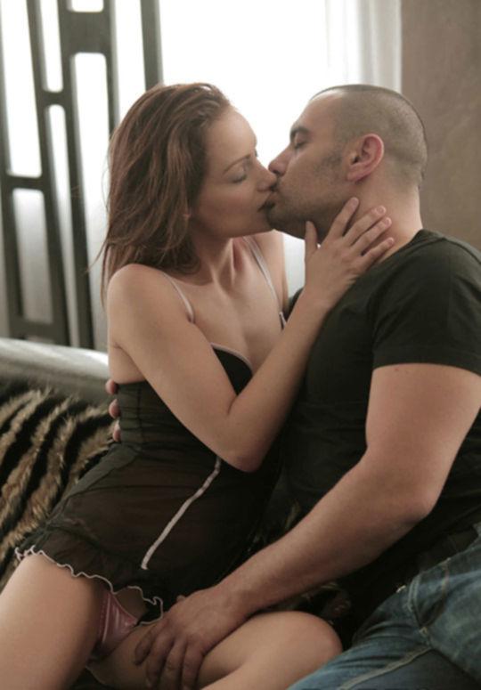 Сексуальная Софи и член в ее дырках