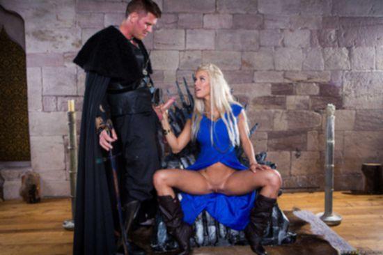 Пародия на игру престолов с участием грудастой порно звезды Peta Jensen